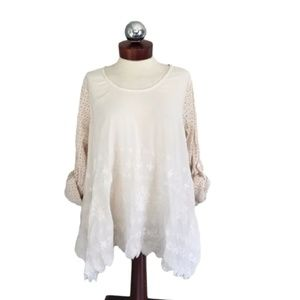 SUNDANCE embroidered peasant top boho lace M